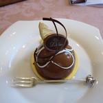 Lakshimi - ケニアとジャンドゥーダンのチョコレートケーキ