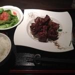 28324030 - 熟成肉のサイコロステーキ240g