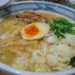麺屋 きょうすけ - 1-1)鶏白湯魚介醤油・大盛(680円+100円)