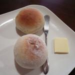 Midsummer Cafe 夏至茶屋 - 自家製パン