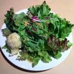 銀座イタリアン Fabi's  - 盛り盛りサラダ