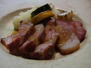 環坂 - 桜の木で蒸し焼きにした黒豚