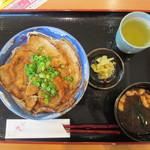 地産レストラン 上里プリンス - 上里姫豚丼(味噌) 930円