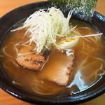 らーめん 至 - 醤油ラーメン680円