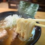らーめん 至 - 麺リフト~
