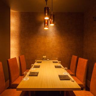 テーブルタイプの個室席