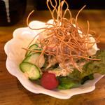 麺や おの - 「夜ランチset」(1,035円)。最初に出てくるのがサラダ。ちゃんとしてます。