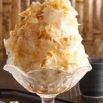 伊那Cafe - 黒蜜+きなこ氷 氷は南アルプス天然水から作る氷を使用 ふわっふわ