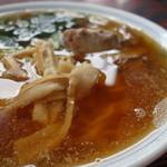 ばんげ屋食堂 - なみなみスープは脂っこい印象ですが、イケます。