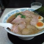 Soup - 支那そば+1/2味玉(760円)