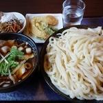 竹國 - 肉汁うどん(大盛・650円)と野菜天ぷら、きんぴら
