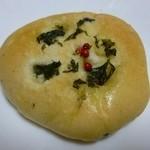 メナード青山パン工房 - 料理写真:フレッシュハーブのフォカッチャ