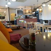 cafe&dining Gakuvuchi - 小上がりベッド席からの光景です☆