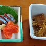 寿司割烹 俵寿し - 刺身盛り合わせと筍の煮物
