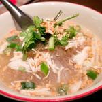 タイ東北料理イサーンキッチン - ウンセントムヤムガイ