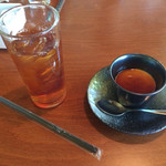 キャラン - 食後のドリンクと温かいプリン