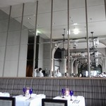 MAIN DINING by THE HOUSE OF PACIFIC - 店内の雰囲気