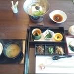 花水庵 - 朝食は精進料理です。