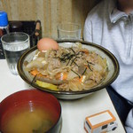 山賊焼お食事処源太 - 焼肉丼