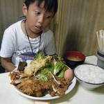山賊焼お食事処源太 - 山賊焼定食・肉大盛り