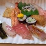 大市寿司 - 豪華な寿司ランチ750円