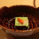 月亭 - お茶と牛乳で作った豆腐