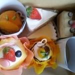 パティスリー ハニーココ - 可愛らしいケーキ。