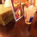kanakoのスープカレー屋さん - テーブルセット