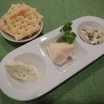 Ailnoir - チーズ3種  盛り合わせ