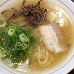 西新亭 - ラーメン320円