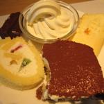 空桜 - ティラミス、ロールケーキ、ソフトクリーム、チーズケーキ、ブラウニー