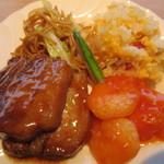 空桜 - 上海焼きそば、チャーハン、豚の角煮、エビチリ