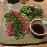 ぬる燗 佐藤 - 米沢牛のレア炙りポン酢