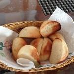 コーラルガーデン - 自家製パン