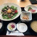 28401561 - カツオのたたき定食(1100円) 小刺身(200円                       )
