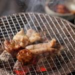 炭火焼肉 楽 -
