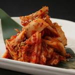 炭火焼肉 楽 - キムチ