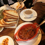 28407570 - イイダコのピリ辛トマトソース煮込み おぼれダコ&フェガート(トスカーナ風レバーパテ)
