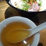満天星DODAN - 油そばのスープ