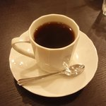 ユナイトコーヒー - 真っ白なカップに佇む美しい液体