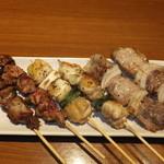 28411529 - 鶏白レバー・鶏串・豚串(国産肩ロース) 各2本 【 2014年6月 】