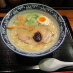 28413493 - 煮干鶏白湯 700円