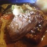 アジアンスープカリー べす - 豚煮アップ