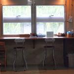 明石食堂 - カウンター席