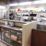 明石食堂 - オープンキッチン