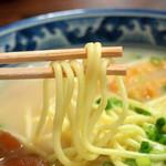 明石食堂 - 丸い麺