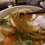 28418121 - 浅草開化楼の中細ちぢれ麺