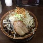 どてちんⅡ - 料理写真:黒ラーメン680円 中盛り
