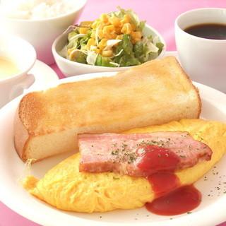 朝食サービス♪プレミアムモーニングセット602円は選る6種類