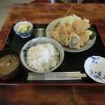 シャロー・ビー - ミックスフライ定食(900円)